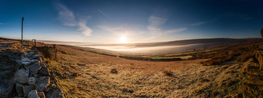 Mist sat in the valley where you would normally see Digley